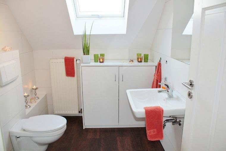 bathroom-1228427_1280.jpg